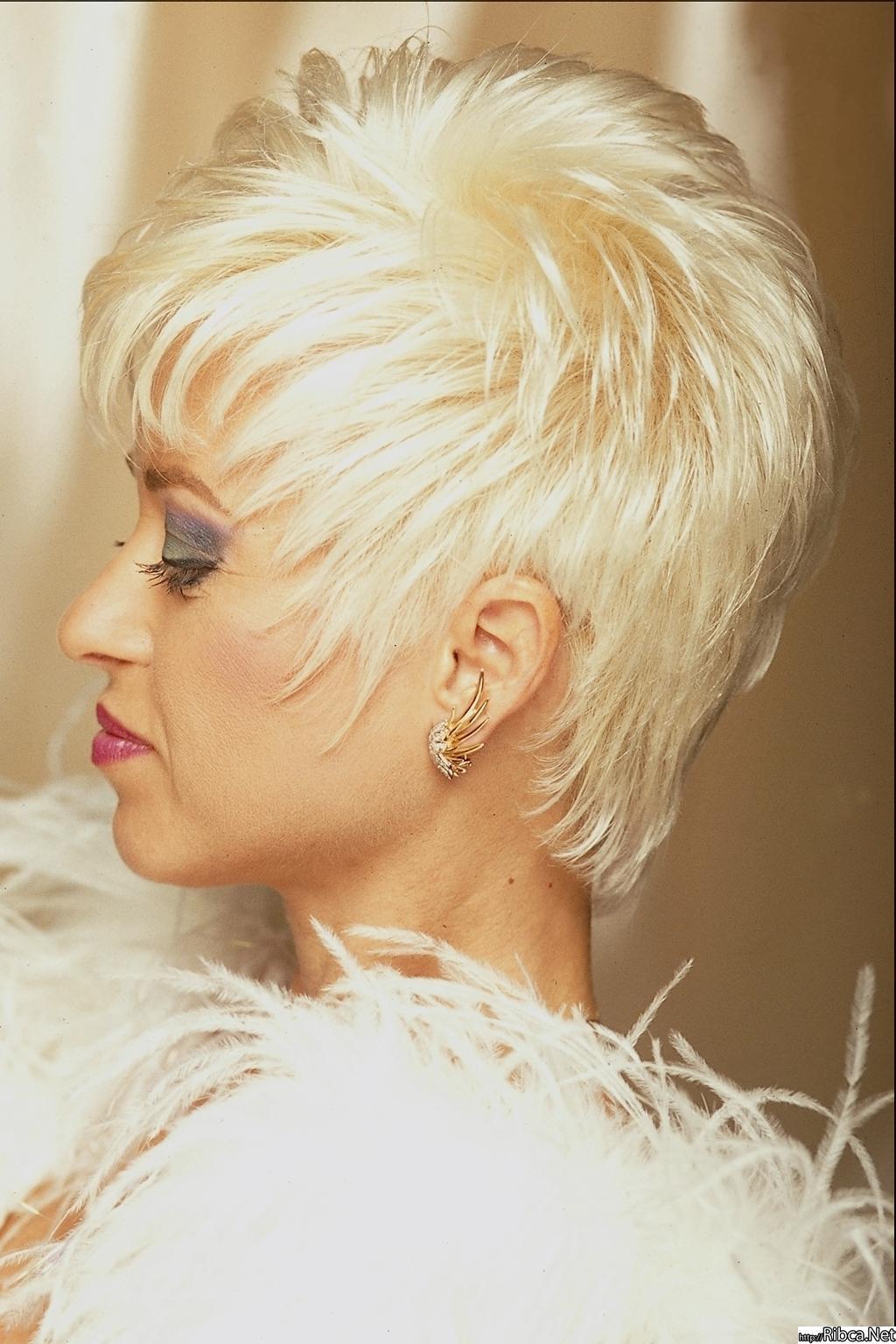 Стрижка ветерок на короткие волосы фото