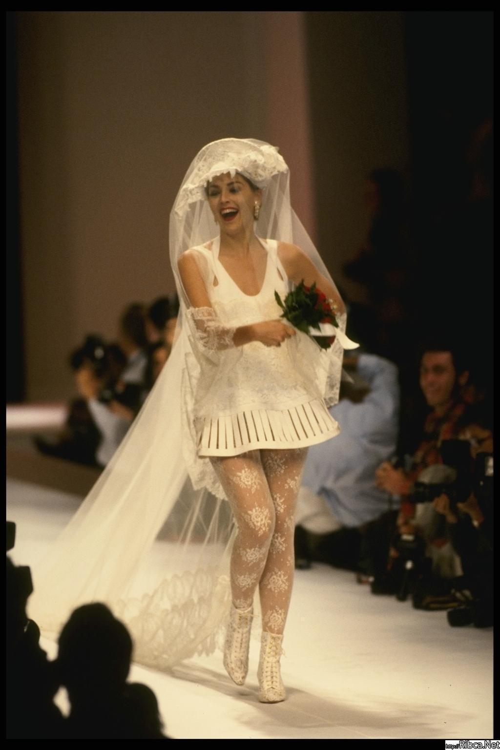 Фото девушки в свадебном 21 фотография